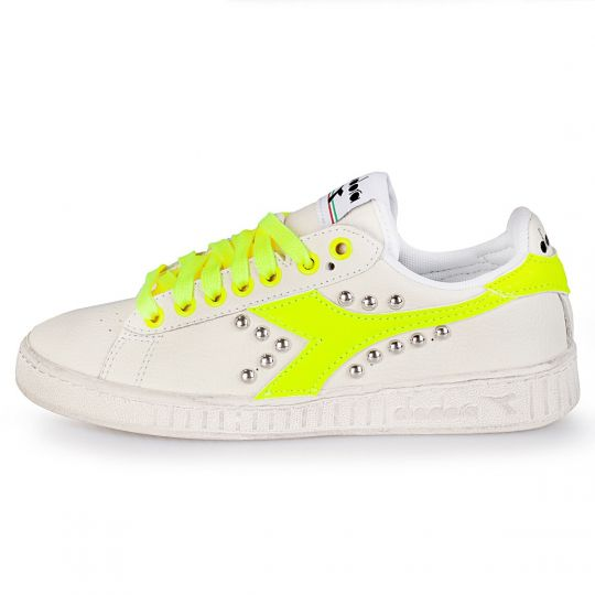 diadora game fluo yellow studs