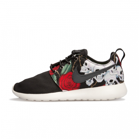 Roshe Run Skull Black