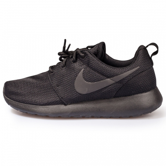 roshe run total black classic