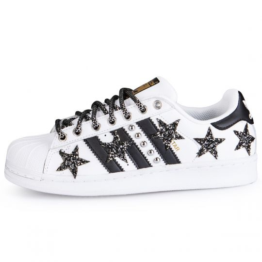 SUPERSTAR BLACK STARS AND STUDS