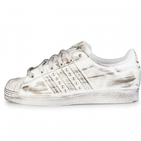 Adidas Superstar White Dirty Studs